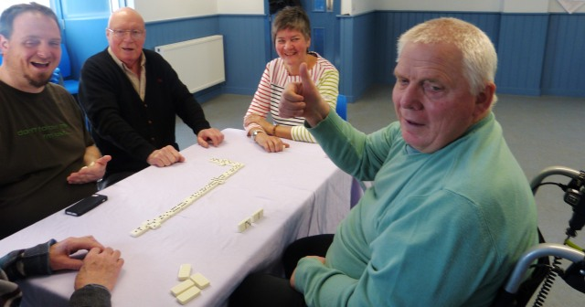The noisy dominoes game